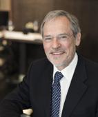Portraitfoto von Dr. Dr. Peter Ehrl