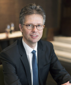 Portraitfoto von Dr. Stefan Liepe