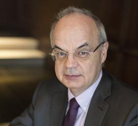Portraitfoto von Prof. Dr. Thomas Ratajczak